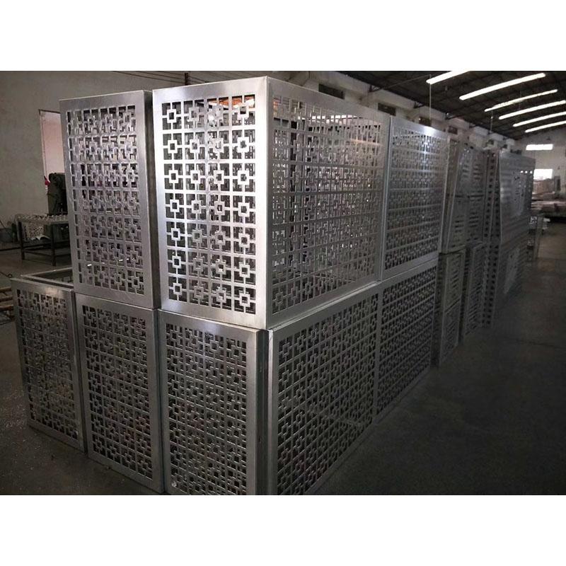 铝合金空调罩由许多不同的零件组成